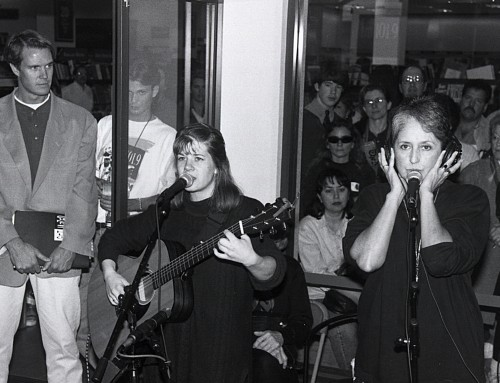 Joan Baez and Dar Williams at a Starbucks Remote – 2-9-96